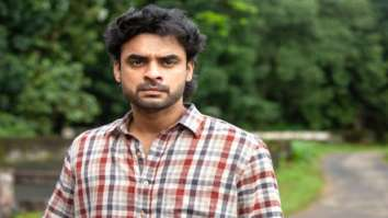 Malayalam star Tovino Thomas' superhero flick Minnal Murali to premiere on Netflix on December 24, 2021