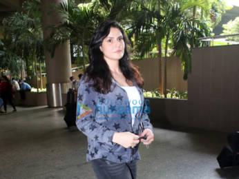 Photos: Varun Dhawan, Shruti Haasan, Karishma Tanna and others snapped at the airport