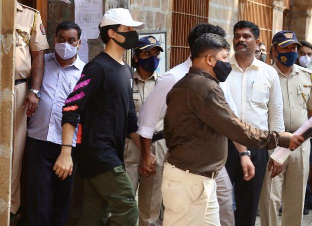 टूटने के!  आर्यन खान की हिरासत